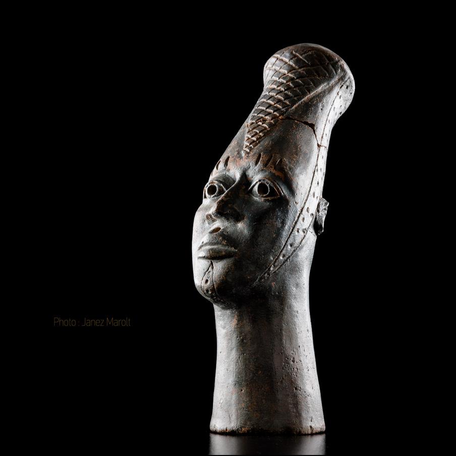 African_statue_photo_Janez_Marolt