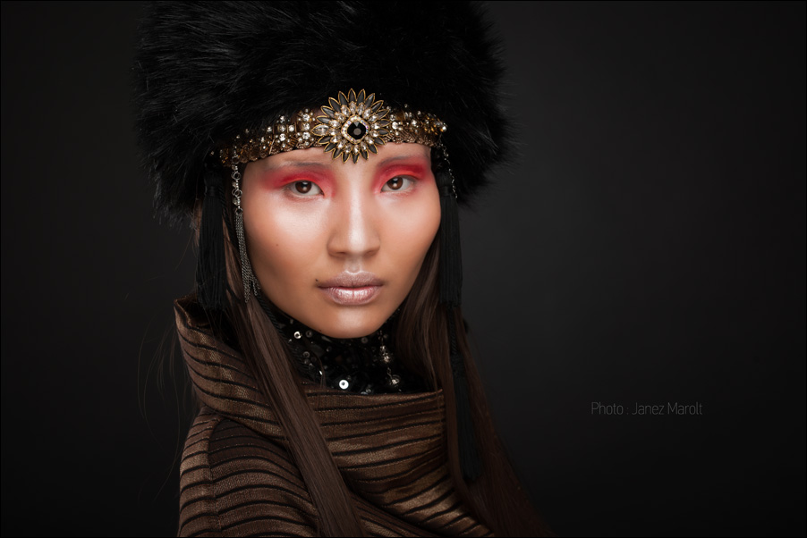 Mongolian_girl_fashion_photo_Janez_Marolt__DSC5911