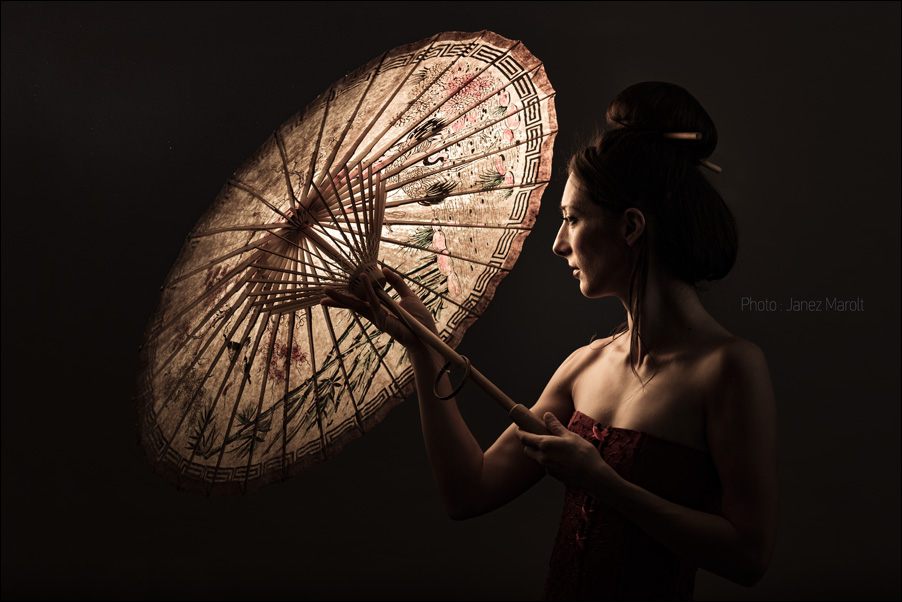 Oriental_parasol_geisha_fashion_photo_Janez_Marolt_DSC8663