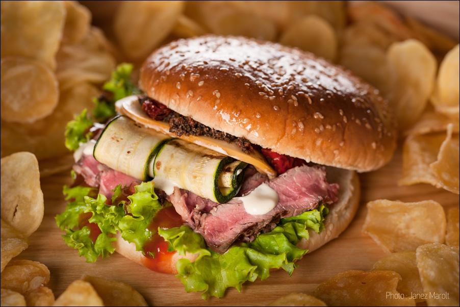 _DSC2518_Pivnica_Union_kraljevski_burger_foto_Janez_Marolt
