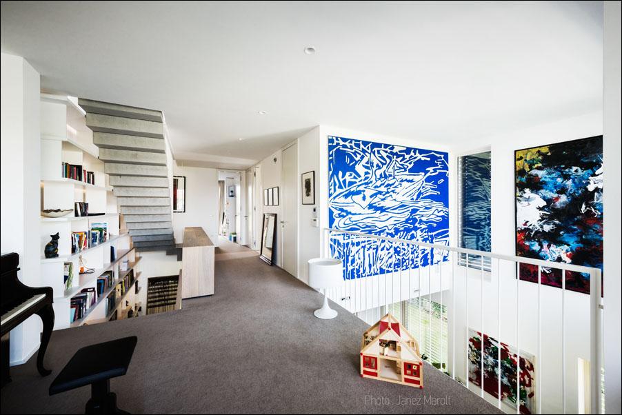 Demšar arhitekti - Hiša Caspar - ob klavirju