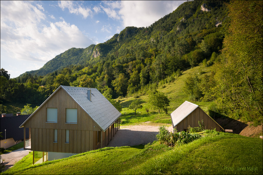 Hiša v Doslovčah - Kombinat arhitekti - s hriba