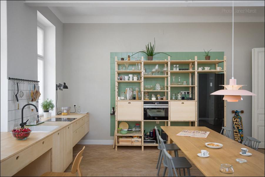 Kombinat arhitekti - stanovanje na Dunaju - kuhinja