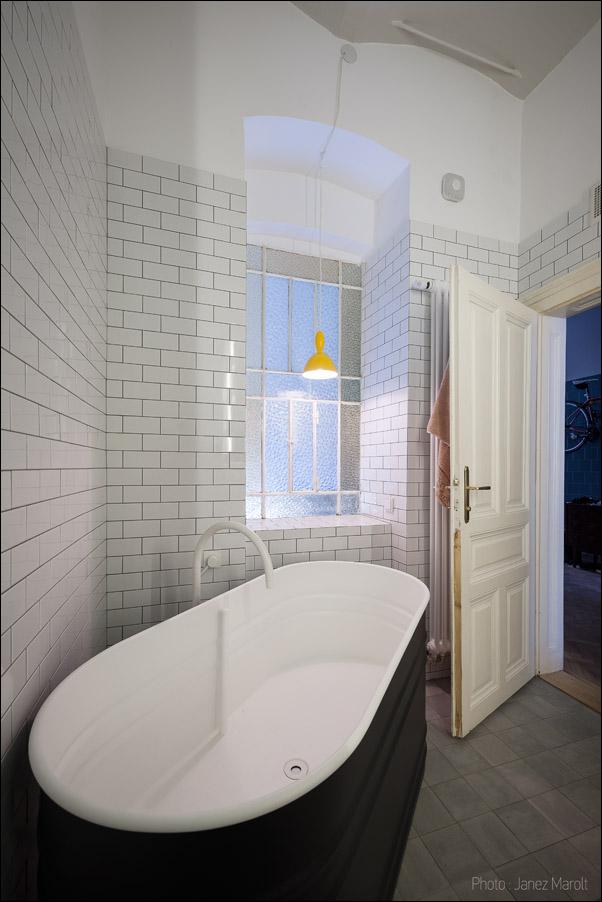 Kombinat arhitekti - stanovanje na Dunaju - kopalna kad