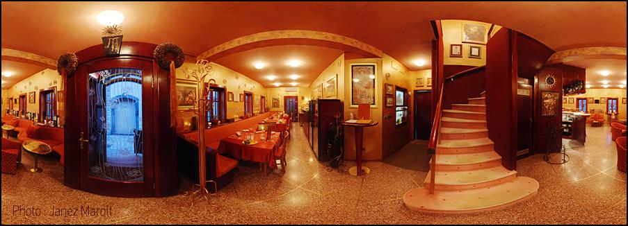 3D panoramska slika posneta za namen 3D virutalnega sprehoda po Hiši kulinarike Manna - avtor : Janez Marolt