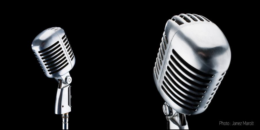 Fotografiranje izdelkov - studijska produktna fotografija starinskega kromiranega mikrofona