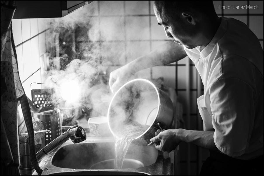 Sushi šef Shin Sato