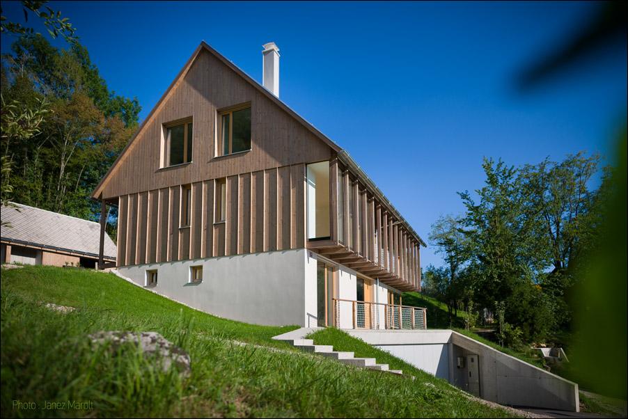 Hiša v Doslovčah - Kombinat arhitekti - z zahoda