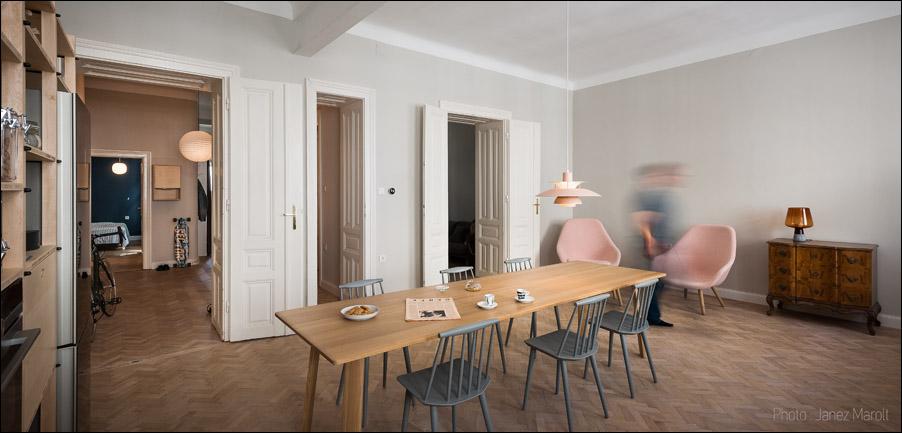Kombinat arhitekti - stanovanje na Dunaju - jedilna miza