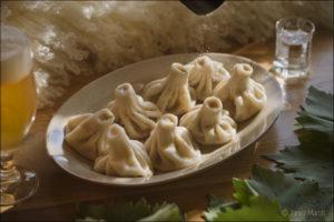 Hinkali - postrežen - Gruzijska restavracija Zlato Runo, fotografija hrane: Janez Marolt