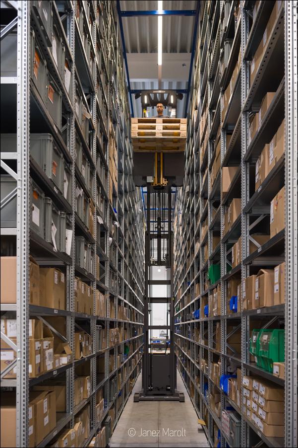 Fotografiranje industrijske proizvodnje - Regalno skladišče