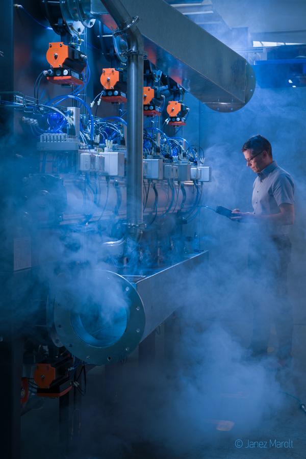 Industrijska image fotografija - dramatična impozantna fotografija za predstavitev industrijske dejavnosti